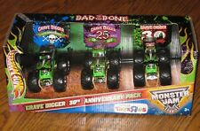 HOT WHEELS MONSTER JAM MONSTER TRUCK GRAVE DIGGER 30TH ANNIVERSARY 1:64 SCALE