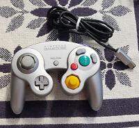 Original Nintendo Game Cube Controller in Silber