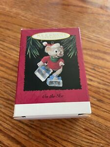 """Hallmark """"On The Ice"""" Mouse Ice Skating Ornament 1995"""