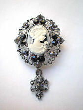 VINTAGE INSPIRED BEAUTIFUL SILVER PLATED BLACK AND GREY RHINESTONE CAMEO BROOCH.