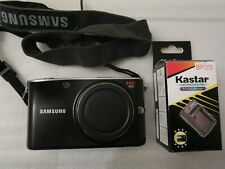 SAMSUNG NX100 APSC COMPACT Digital Camera w/battery, charger, strap, cap, EXC!!!