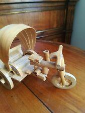 Velo triporteur pousse pousse vintage de collection capote bois bambou numéroté