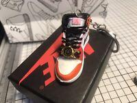 1/6 Scale Fearless Melody Mini Sneaker Keychain single (random L or R).
