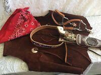 Cowboy Set   Vest/Holster/Belt/Gun/Spurs/Scarf   vintage rare