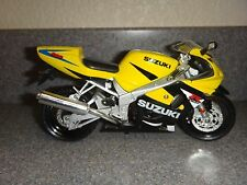 Suzuki Gsx R 600~Model Bike Motorcycle~Yellow/Black/S ilver~SiZe 7in (L)x 4in(H)