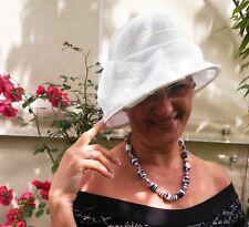 Damenhut eleganter Glockenhut in Weißtöne  Anlasshut Hochzeit Anlasshüte  Ascot