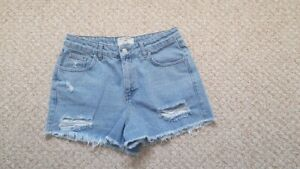 GIRLS NEW LOOK DENIM SHORTS - AGE 14 - EXC