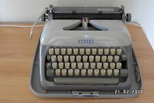 """ADLER """"Carolina"""" Reiseschreibmaschine mit Koffer, funktionsfähig, 1960er Jahre"""