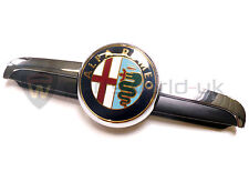 Alfa Romeo 156 2003 on grille bonnet badge & plinth 156045002 100% GENUINE