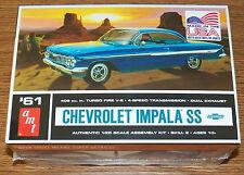 AMT 1961 Chevrolet Impala SS 409 cu. in. TURBO FIRE V-8 Plastic Model Kit 1/25