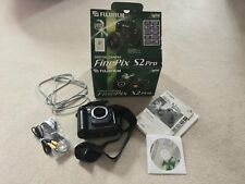 Fuji Finepix S2 Pro digital Slr camera body for parts, with box and accessories