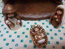 Meravigliosa presepe Sagra famiglia della Thun   con il mantello colore crema