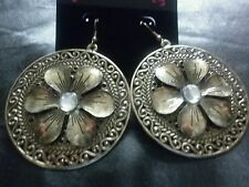 Make a Statment Fashion Gold Flower Design Earrings