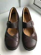 clarks womens shoes size 7 brown leather new