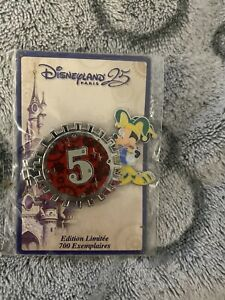 Disney Pin - Mickey Mouse Jester - Disneyland Paris 25th - Limited Edition