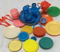 Vintage BARBIE 1960's Deluxe Reading Dream Kitchen And Others Hong Kong Plates +
