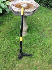 Fiskars Weed Extracting Tool - W52 - Garden Weeder