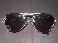 Falling Skies Tinted Sunglasses Movie Prop Screen worn in Episode #502, Sc. 8