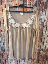 Anthropologie Meadow Rue Womens Tan Flowers Embroidered Top size Medium