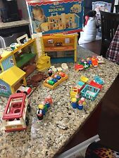 Vintage Fisher Price Happy Family Little People Play Doll House 952 656 761 149
