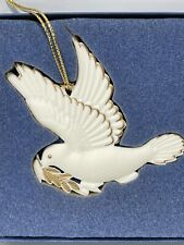 1996 Wedgwood White Jasper Dove Ornament Gold Trim Original Box Retired
