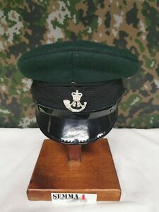 GENUINE ISSUE BRITISH ARMY PEAKED CAP AND BADGE THE RIFLES.