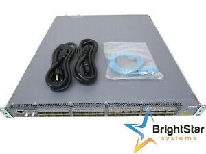 Juniper QFX5200-32C-AFI 32 Qsfp + Anschlüsse Zusätzliche Fans 2 AC Netzteile