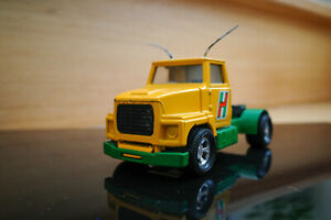 Matchbox - Super Kings Ford LTS Series Tractor