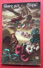 CPA. Gloire aux Alliés !  1919. Coq. Drapeaux. Fleurs. Angelot. Tricolore.