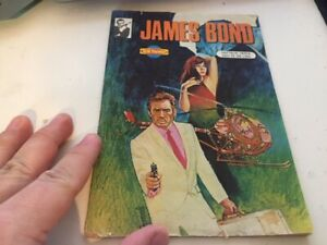 James Bond 1980s Comic from Middle East ! 32 pages Art