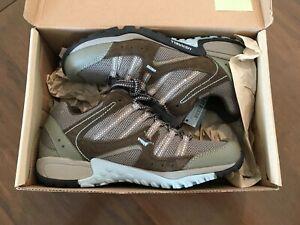 New Merrell Tuskora Waterproof Hiking Shoes Women's Size 8.5 / 39 EUR