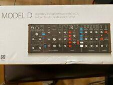 Behringer Model D analog Desktop Synth - sehr guter Zustand