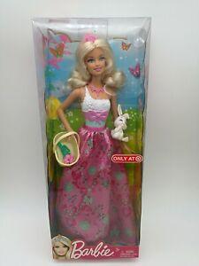 2011 Mattel Barbie Fairytale Magic Doll with Basket & Bunny W2942