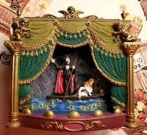 2006 Carlton Cards-Phantom Of The Opera-Collectible Ornament-Music-Lights #174
