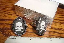 SKULL & CROSSBONES Oval Dome Cuff links #1 Pair (Two) Silver Plated Gift Box