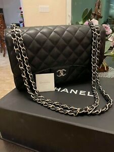 Auth Chanel Quilted CC Crossbody Bag Grained Calfskin & Gold-Tone Metal Black