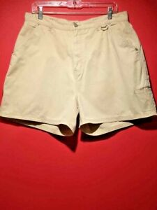 Women's shorts Bill Blass size 16 Reg