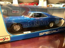 Maisto 1:18 Scale Diecast Model Car - 1969 Dodge Charger R/T (Blue)