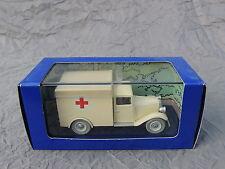 Voiture TINTIN Atlas réf. 056. L'ambulance de l'asile. Les Cigares du Pharaon.