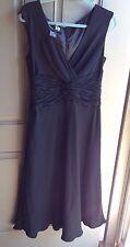 Jones New York Women's Black Dress Size 14 Center Roche Mid Calf Length