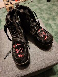 T.U.K. Black Velvet & Red Blossom Embroidered Nosebleed Platform Boots Size 6