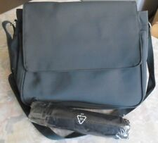 Damen Handtasche, Umhängetasche, oliv grün inclusive Taschenschirm - NEU