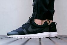 NIKE ROSHE casi como nuevo TP Tech Fleece Pack Zapatillas Gimnasio Informal-UK Size 9 (EUR 44) Negro