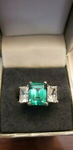 HEAVY Solid 14K White Gold 3 -Stone Emerald and Simulated Diamond ring