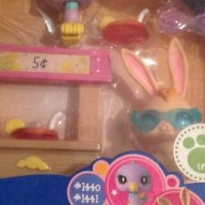 Hasbro Littlest Pet Shop Lemonade Stand with Bunny and Bird 1440 1441 brand new