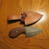 Damascus tear drop caper w/nicely grained wood handle & leather sheath hand made
