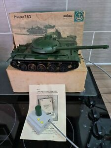 Anker Spielzeug @ Panzer T62 : 116 DD8 Made in GDR : Boxed 1:25 Scale (In UK)