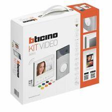 Bticino 363911 Kit Vivavoce con Videocitofono e Pulsantiera - Bianco
