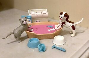 BARBIE 1995 Pet Vet Dr doctor Dog Cat Bed and Accessories