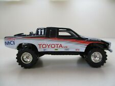 HOT WHEELS - SCORE BAJA TOYOTA V-8 OFF-ROAD RACE PICKUP TRUCK 4X4 (REAL RIDERS)